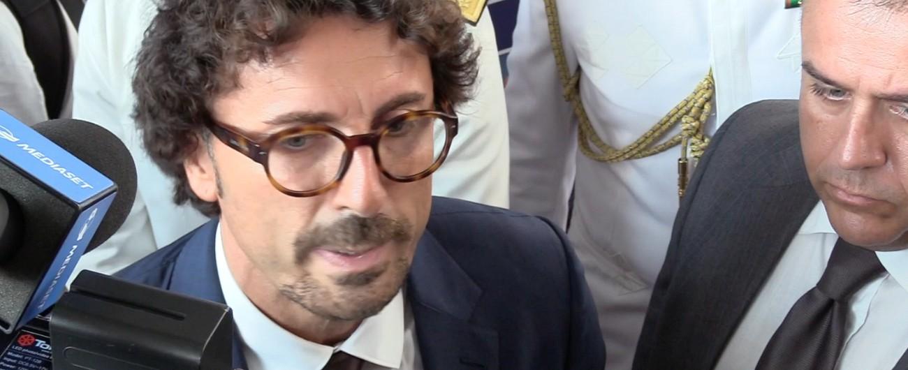 """Toninelli: """"Collettore del Garda superato"""". Ma è smentito dal ministero dell'Ambiente: """"Opera già finanziata"""""""