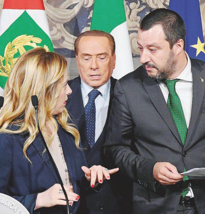 Migranti e affari, Salvini e B. di nuovo uniti irritano M5S
