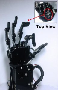 Pelle artificiale più sensibile di quella umana per i robot