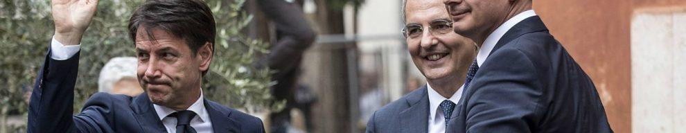 Casalino, audio contro i tecnici Mef. Tria: 'Al ministero lavorano per il governo'. Ma Di Maio: 'C'è chi rema contro'