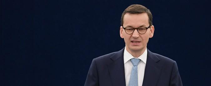 """Polonia, la Commissione Ue la deferirà alla Corte di Giustizia europea: """"Violano l'indipendenza dei magistrati"""""""