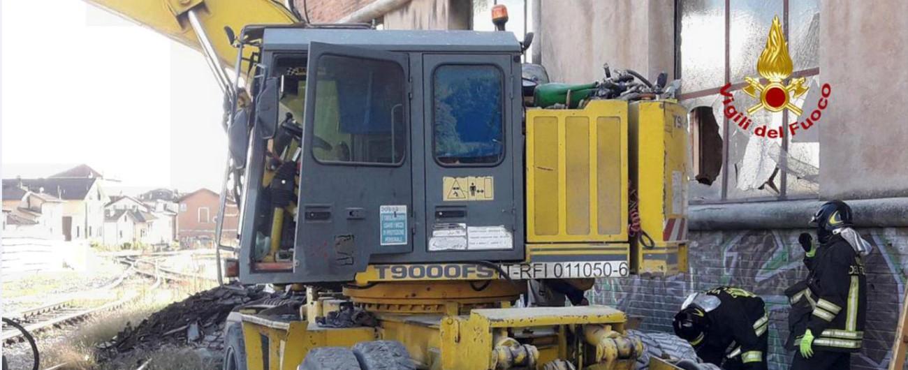 Belluno, esplosione in un cantiere vicino alla stazione: tre operai gravemente ustionati
