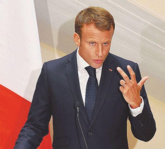 Parigi taglia le tasse, il disavanzo salirà al 2,8%
