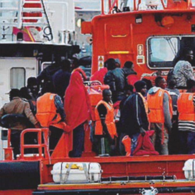 """Gli """"effetti del Capitano"""": oltre 130 mila irregolari in più"""