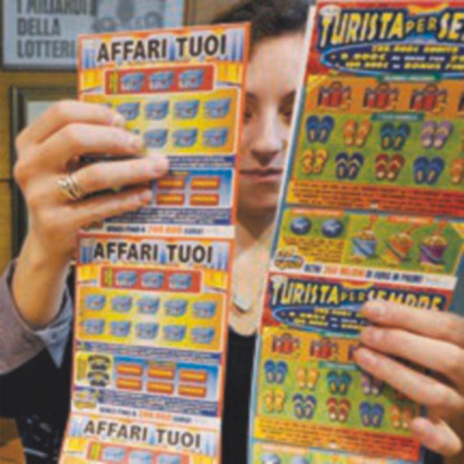 Lottomatica difesa da boiardi di Stato: M5S contro Gentiloni