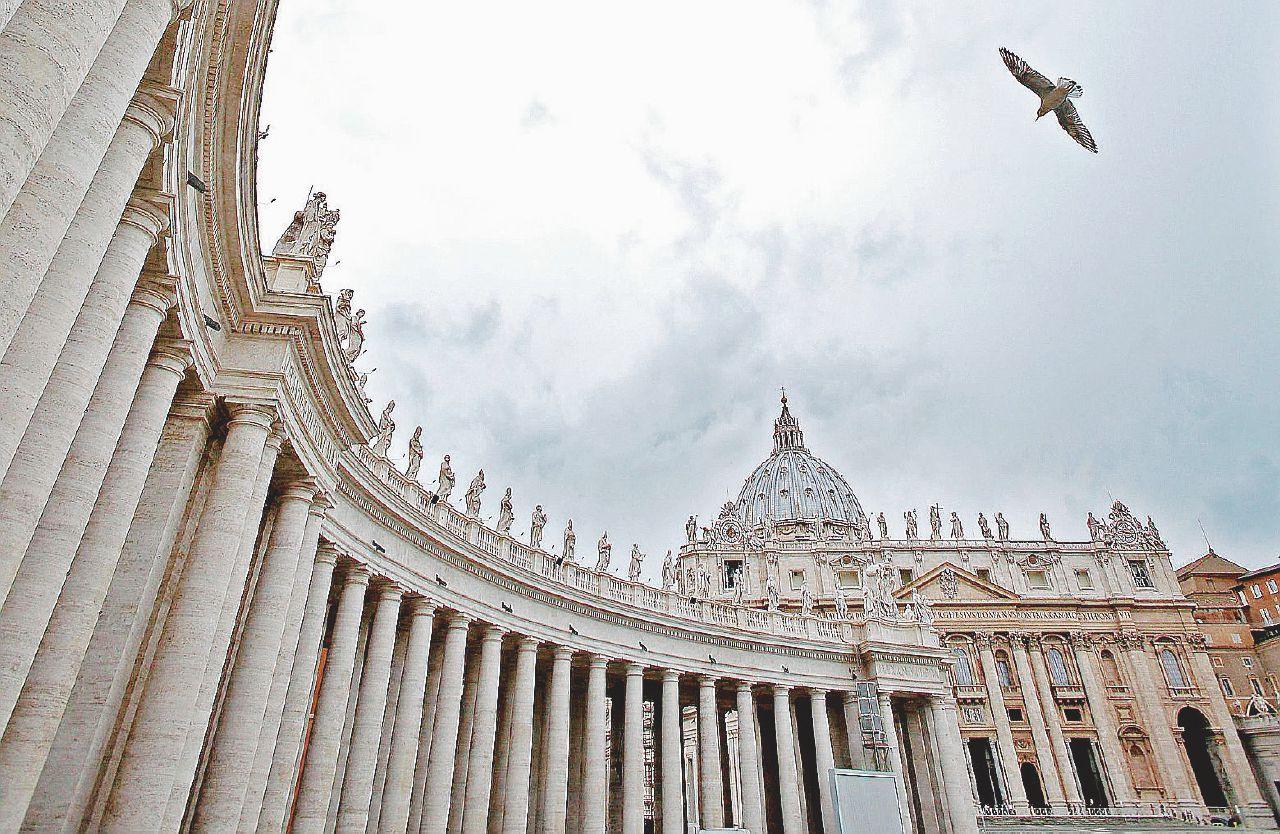 Abusi, il dossier di Francesco che imbarazza Benedetto XVI
