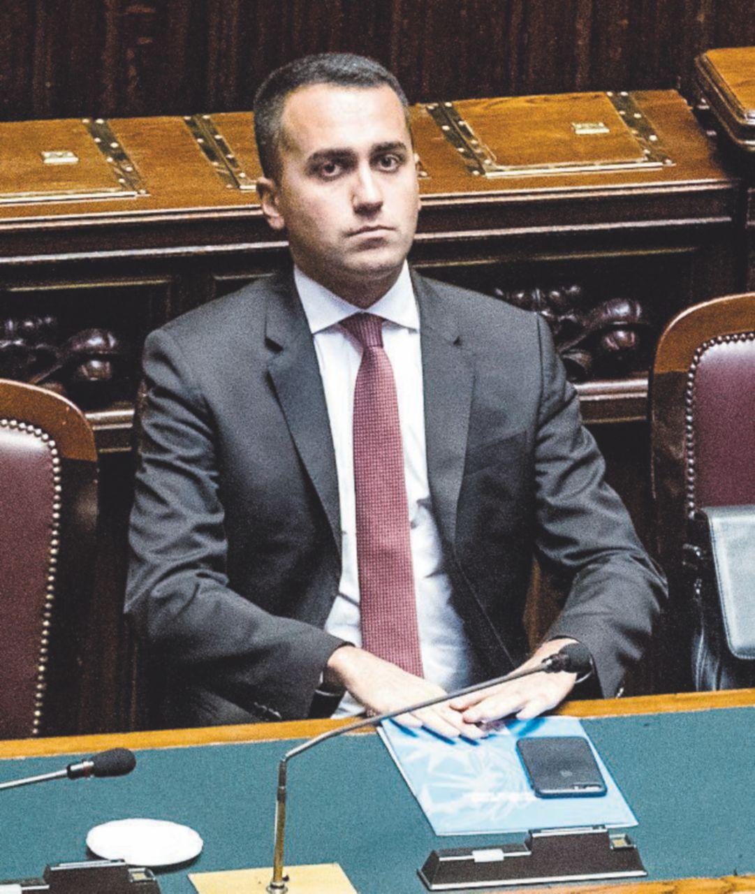 """In Edicola sul Fatto Quotidiano del 27 settembre: Di Maio e Salvini: """"Deficit  al 2,4%"""". Tria non ci sente"""