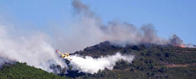 """Incendio Pisa, fiamme ancora alte sul Monte Serra: rogo riprende a Vicopisano. Sindaco di Calci: """"Governo stanzi i fondi"""""""