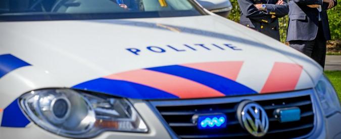 """Olanda, sette arresti con l'accusa di terrorismo: """"Volevano sferrare attacco con Kalashnikov e cinture esplosive"""""""
