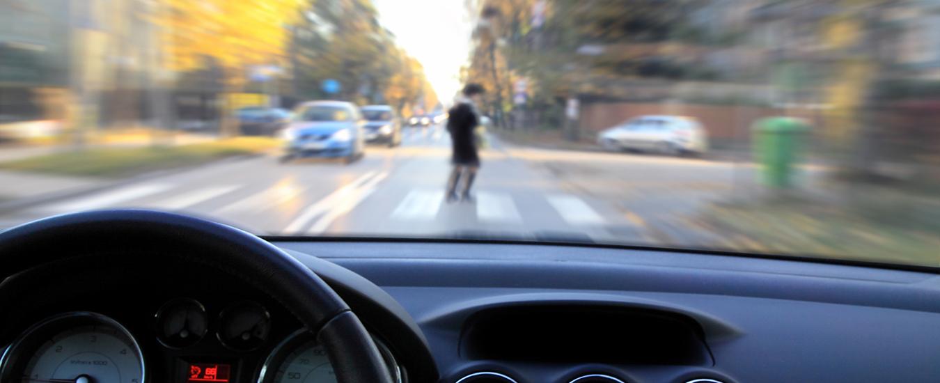 Auto che parlano tra loro per evitare incidenti, l'esperimento di Ford e Panasonic