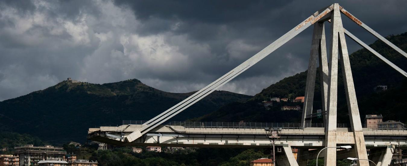 """Ponte Morandi, il perito alla tv svizzera: """"Autostrade? Se nel '93 avessero riparato tutti i piloni, il viadotto sarebbe in piedi"""""""