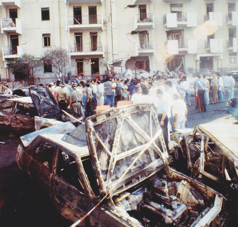La strage e il pentito – In alto, Palermo, via D'Amelio, 19 luglio 1992. – LaPresse
