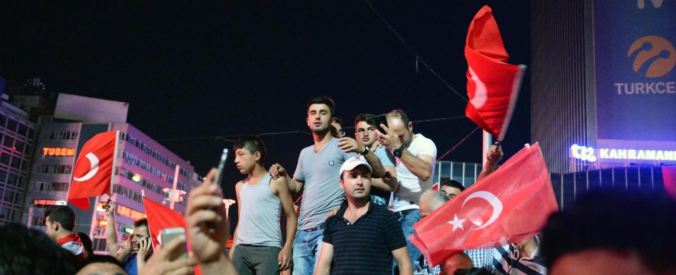 Turchia, confermato l'ergastolo per cinque giornalisti e un accademico. Sono accusati del tentato golpe del 2016