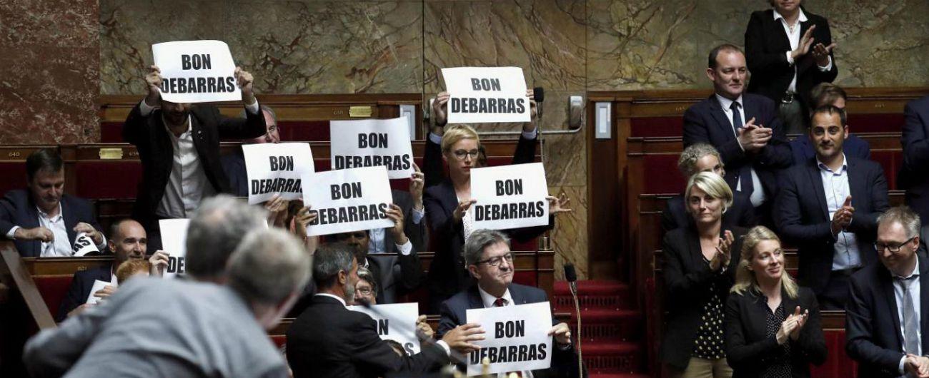 Francia, il ministro Collomb ribadisce le dimissioni malgrado stop di Macron. Valls saluta Parigi per candidarsi a Barcellona