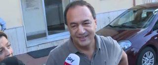 """Riace, revocati i domiciliari al sindaco Mimmo Lucano: per lui divieto di dimora nel Comune. """"Mi sembra un processo politico"""""""