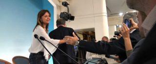 """Def, la portavoce di Salvini allontana Tria dai giornalisti. Stampa parlamentare: """"Niente domande, fatto grave"""""""