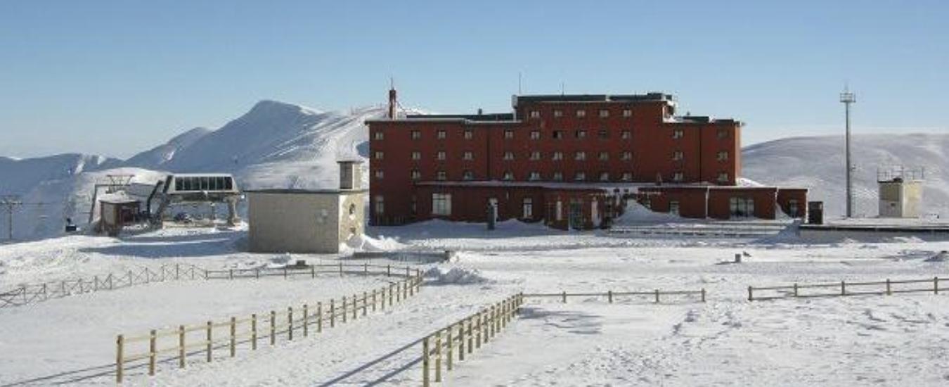 Abruzzo, l'albergo-prigione di Mussolini sarà un resort a cinque stelle. Con tanto di spa, ristorante e camere extra lusso