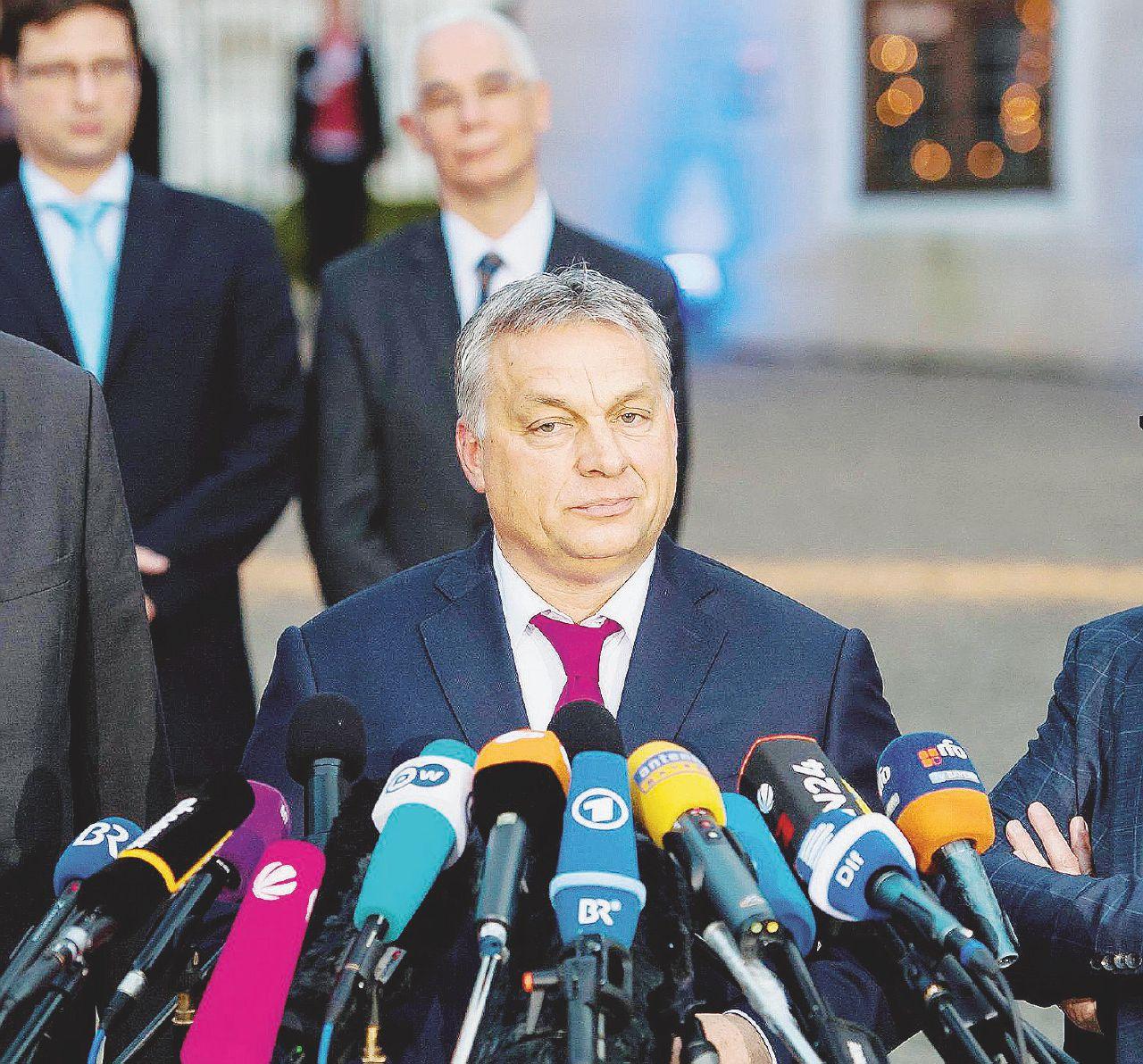 """""""Orbán ci sta comprando, è come prima del 1989"""""""