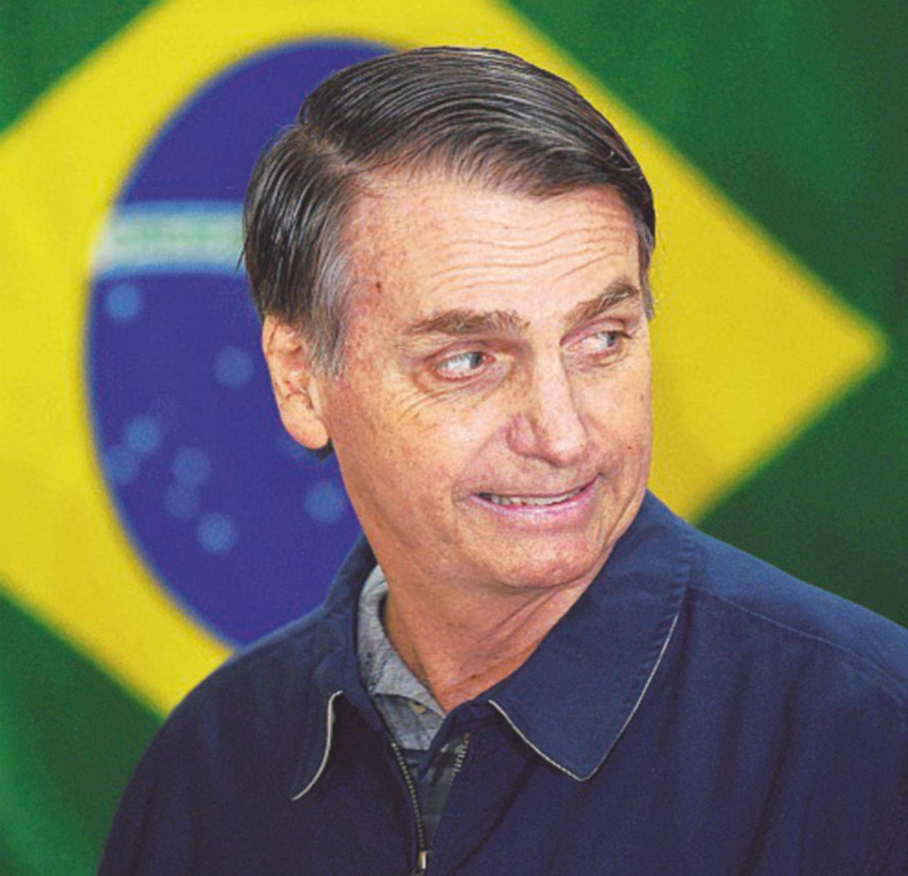 """In Brasile è avanti il """"destro"""" Bolsonaro, ma al ballottaggio può vincere Haddad"""