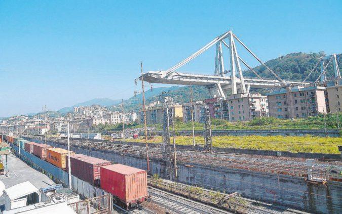 Genova, per il ponte tornano in corsa Gavio, l'Anas e Toto