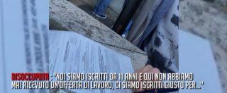 """Napoli, caos al centro per l'impiego: code e nomi su un foglio per prenotarsi. """"Chi riesce a entrare vince alla lotteria"""""""