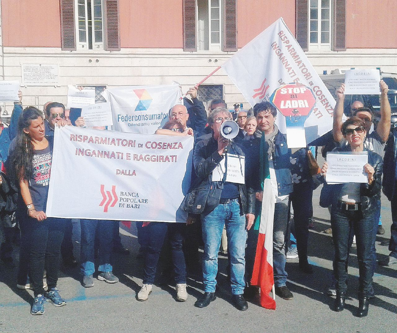 Popolare di Bari, lo scandalo bancario a scoppio ritardato