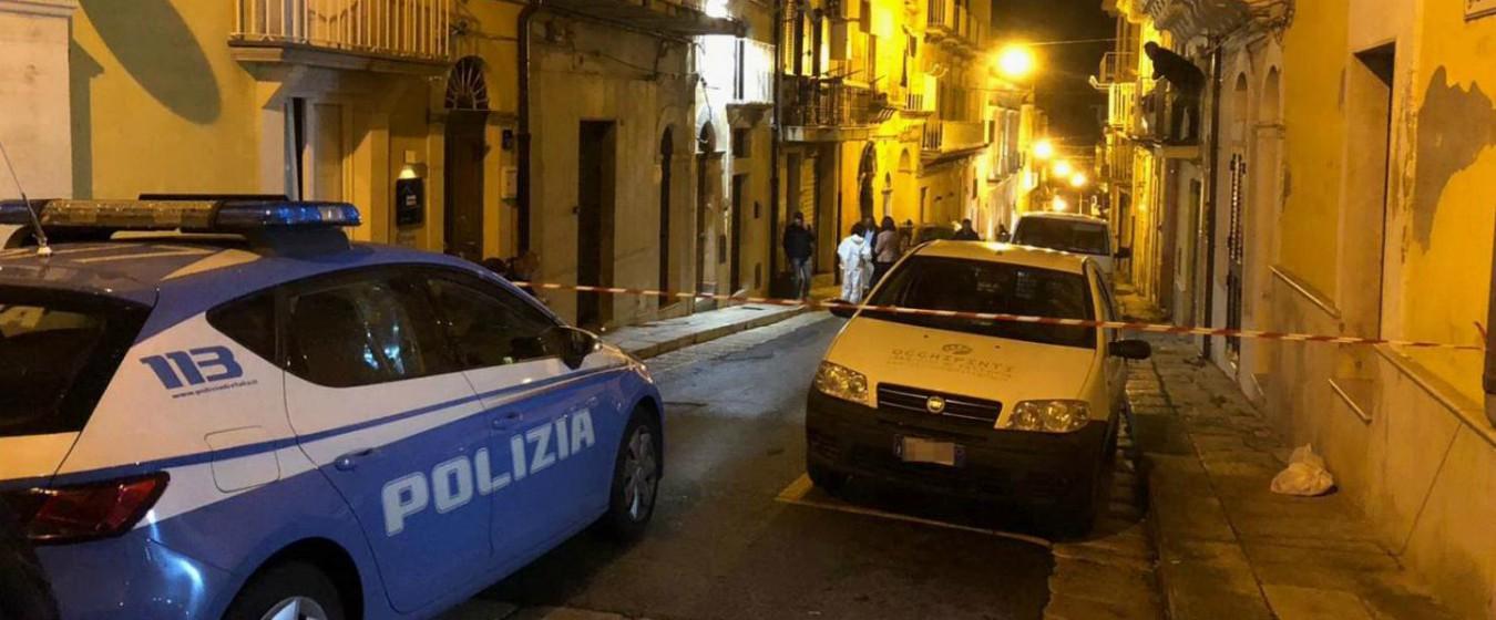 Ragusa, 66enne trovata morta in casa: aveva il cranio fracassato. Esclusa la rapina, si indaga nella sfera personale