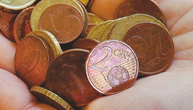Euro, verso la stangata dopo l'addio alle monete da 1 o 2 centesimi