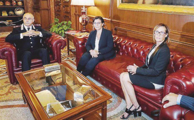 La ministra Trenta riceve Ilaria Cucchi. Ma poi l'ospite se ne va senza parlare