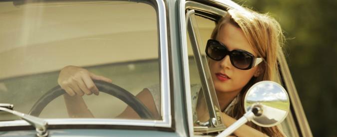 Auto da comprare? Le donne sono più realistiche e pragmatiche degli uomini