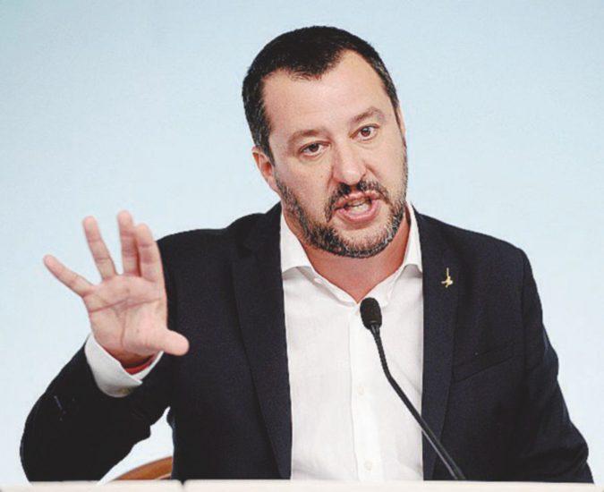 """La segretaria di Bossi: """"I soldi sparivano, avvisai Salvini. Ma lui non disse nulla"""""""