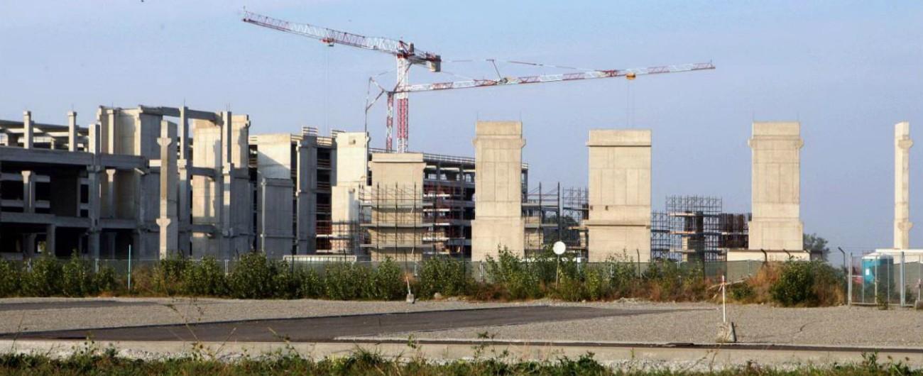 Parma, indagati per abuso d'ufficio l'assessore all'urbanistica e due tecnici del Comune nell'inchiesta sull'Urban district