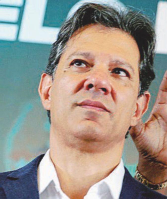 Elezioni, ondata di fake news su Whatsapp: Haddad chiede estromissione di Bolsonaro