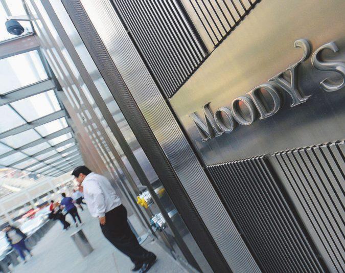 Scure di Moody's sulla manovra: ora lo spread fa paura
