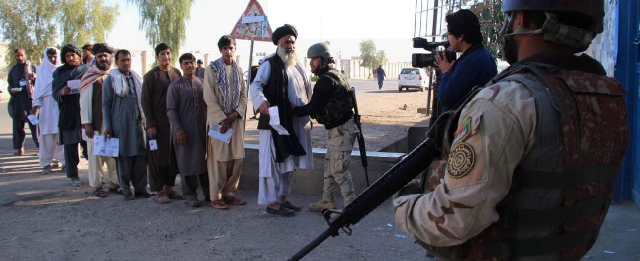 Afghanistan, serie di attentati durante il voto: almeno 50 morti e oltre 100 feriti