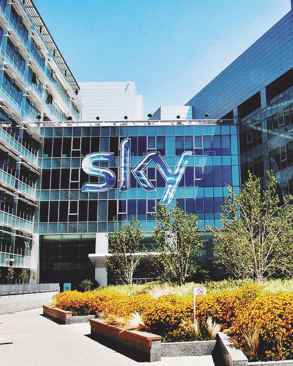 Il piano segreto – Sky si butta sulla telefonia (per pagarsi anche la tv)