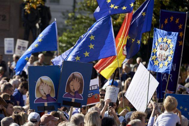 """Londra, quasi 700mila persone in marcia contro la Brexit: """"V"""