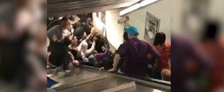 Roma, cede scala mobile della metro Repubblica: il momento dell'incidente. Le immagini