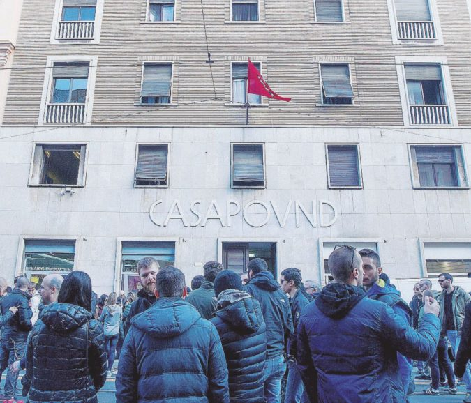 CasaPound, gli unici neri che Salvini non sgombera