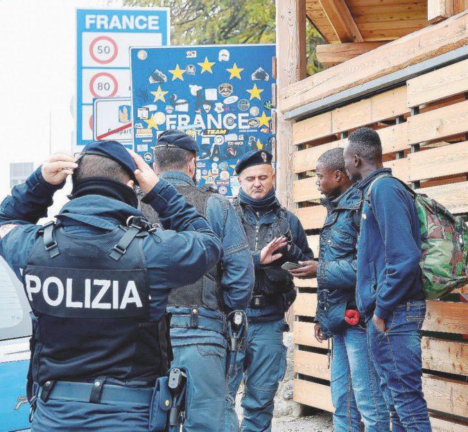 """""""Parigi rastrella migranti per portarli oltre il confine"""""""