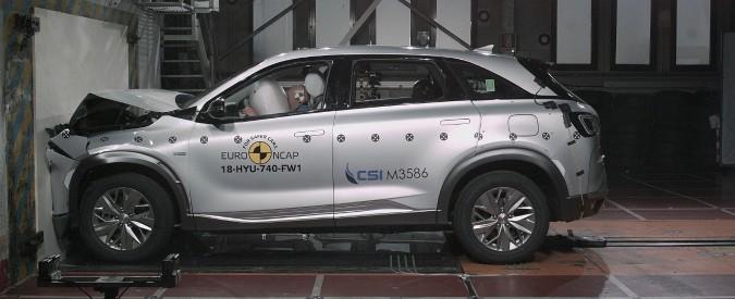 Hyundai Nexo, sorpresa a idrogeno. Prende 5 stelle ai crash test – FOTO