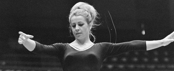 Vera Caslavska, 50 anni fa la protesta della ginnasta che chinò la testa senza arrendersi mai
