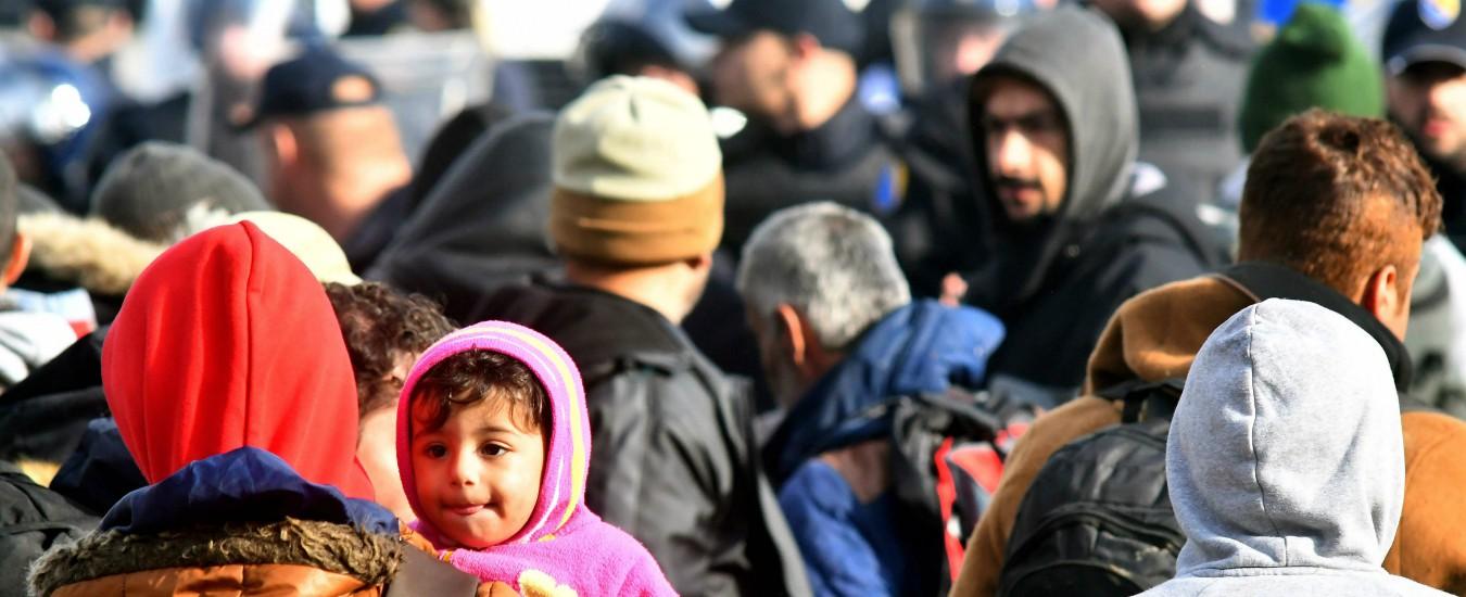 """Migranti, Amnesty: """"Respingimenti e abusi al confine con la Croazia. Governi europei complici delle violenze"""""""