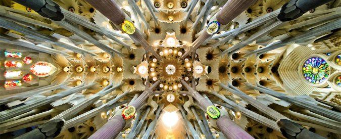 Sagrada Familia, abusi edilizi e souvenir. La basilica di Barcellona svilisce Gaudì