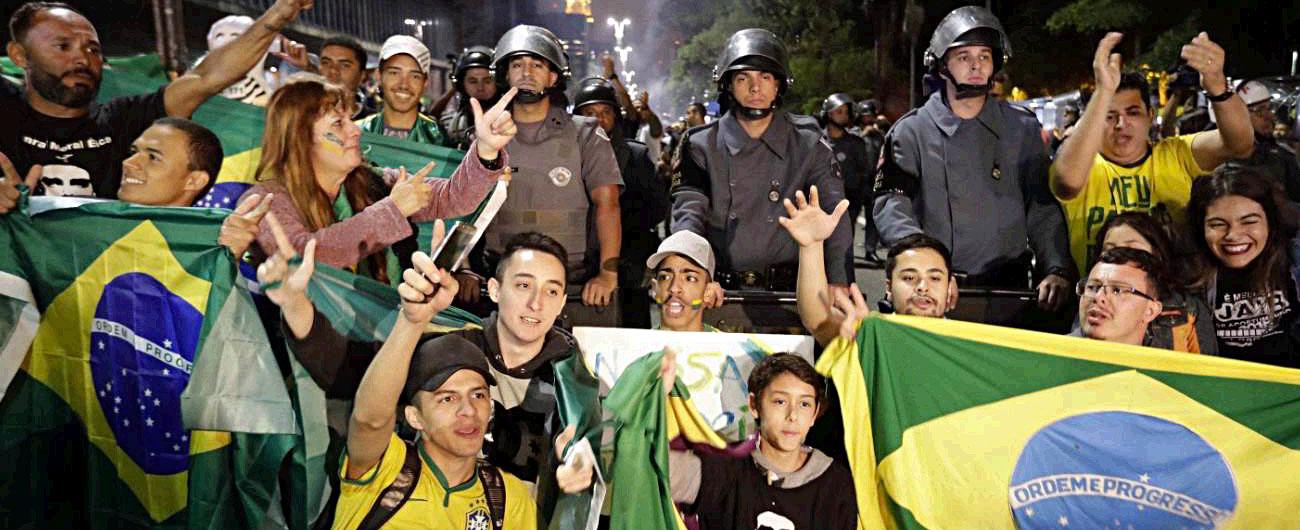 Brasile, Jair Bolsonaro è il nuovo presidente. L'ex militare trionfa con il 55,2%. Sconfitto il partito dei lavoratori