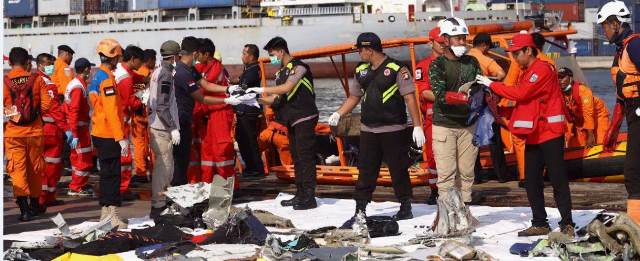 Indonesia, aereo caduto in mare con 189 persone: c'era anche un ...