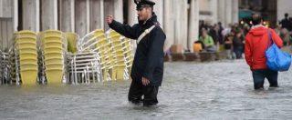"""Venezia, acqua alta a 156 centimetri: è la quarta di sempre. Brugnaro: """"Questo è il momento in cui servirebbe il Mose"""""""