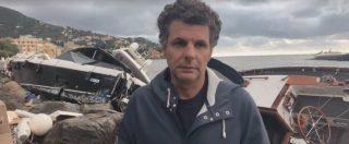 """Maltempo Liguria, il sindaco di Rapallo davanti alle barche rovesciate: """"Un disastro. Non abbiamo più il porto"""""""