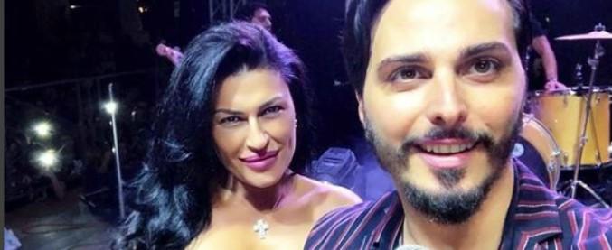 Tony Colombo, spari contro la sua casa discografica: forse una vendetta per la love story con la vedova del boss