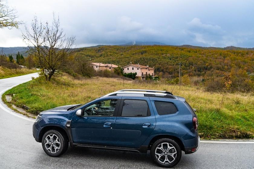 Dacia duster gpl la prova de il il bello del for Immagini dacia duster